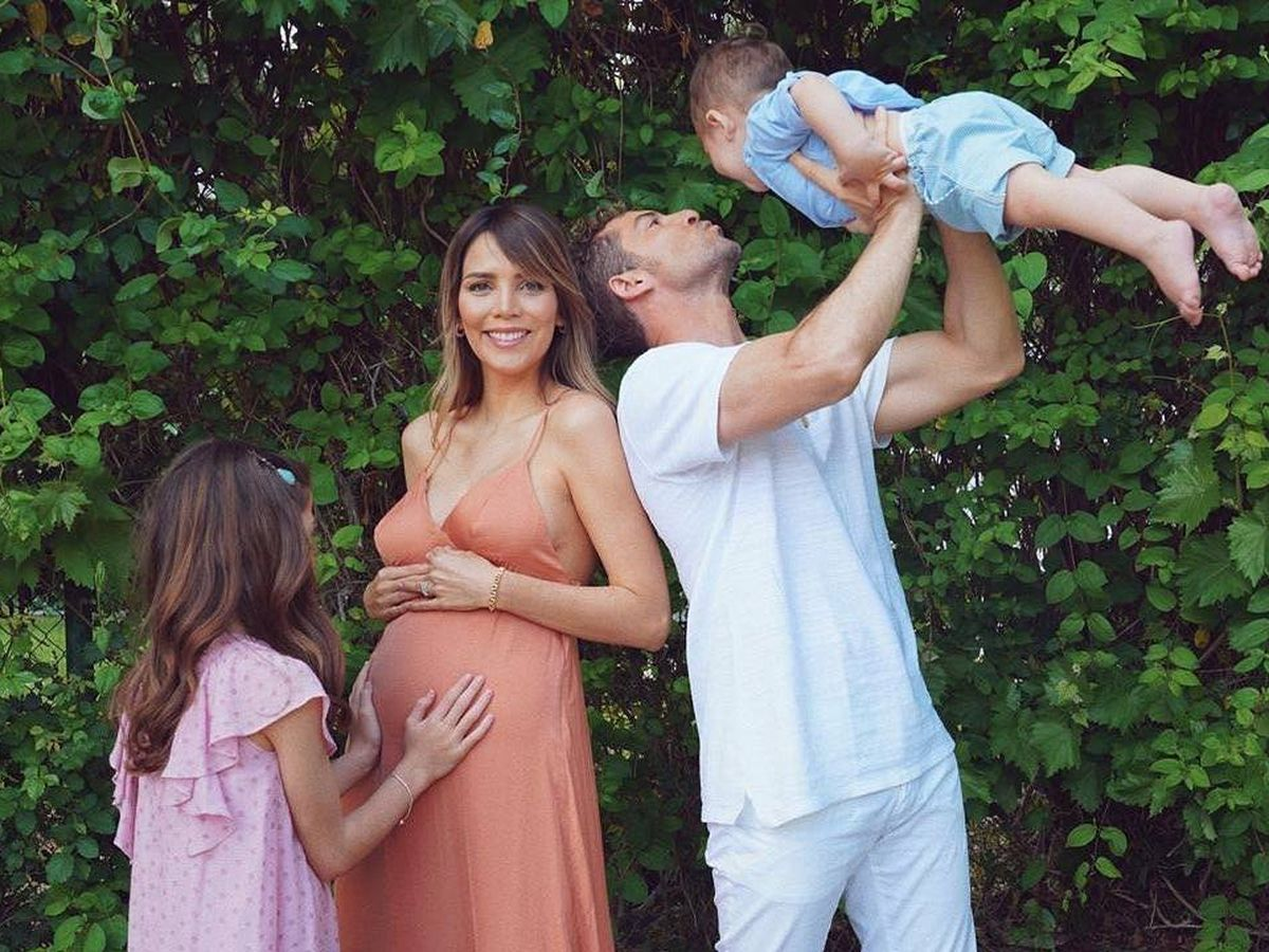 Foto: David Bisbal y Rosanna Zanneti, con su familia. (IG)