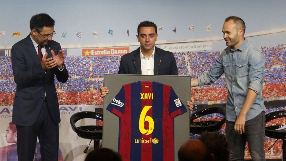 El Barcelona despide a Xavi Hernández por la puerta grande en un emotivo acto