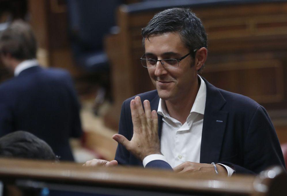 Foto: El diputado socialista Edu Madina, el pasado 29 de octubre durante el pleno de investidura de Mariano Rajoy. (EFE)