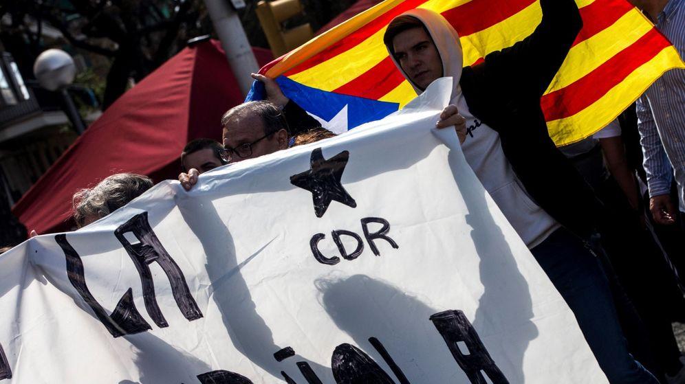 Foto: Protesta convocada por los CDR por la presencia del rey Felipe VI en Barcelona   EFE
