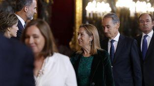 Ana Pastor y Fernández Vara, dos médicos de postín en acción en el Palacio Real
