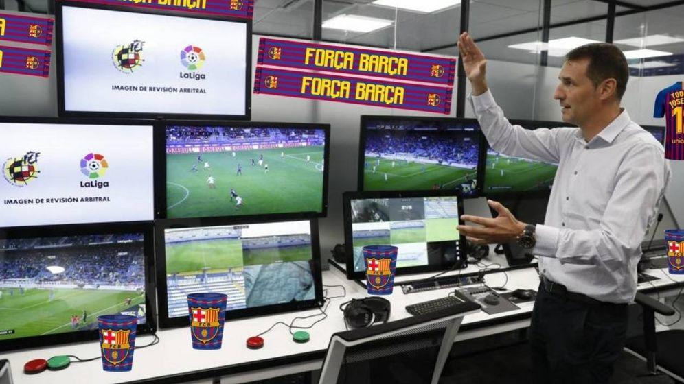 Foto: La sala VAR, según algunos seguidores del Barcelona - Real Madrid