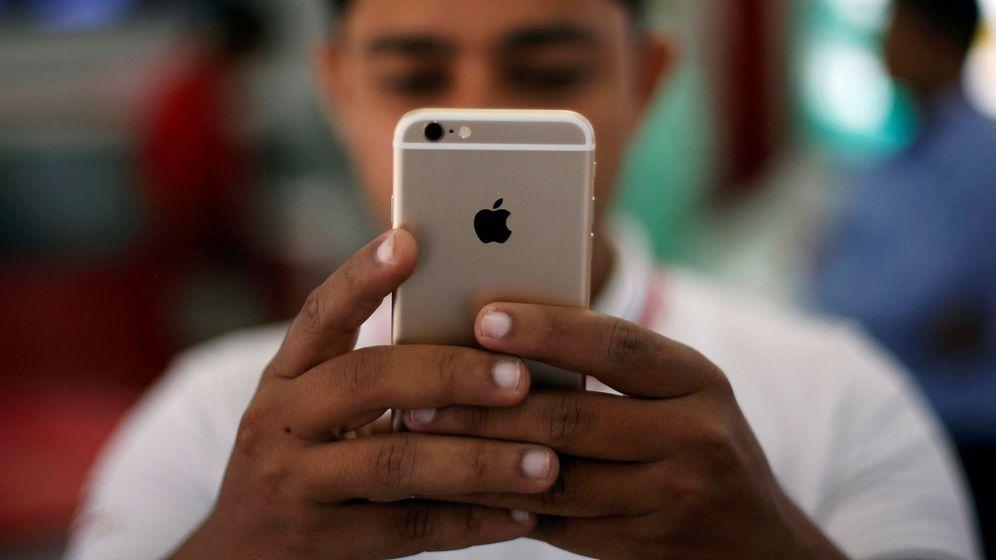 Foto: Un pequeño aviso te alerta ya de qué apps de tu iPhone te están espiando. Foto: REUTERS Adnan Abidi