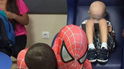 He acompañado a morir a 29 niños...: Policía en la calle, Spiderman en el hospital
