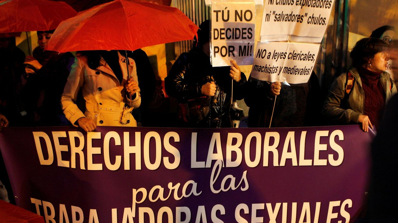 El PSOE plantea abolir la prostitución y ya no denunciará los Acuerdos con la Santa Sede