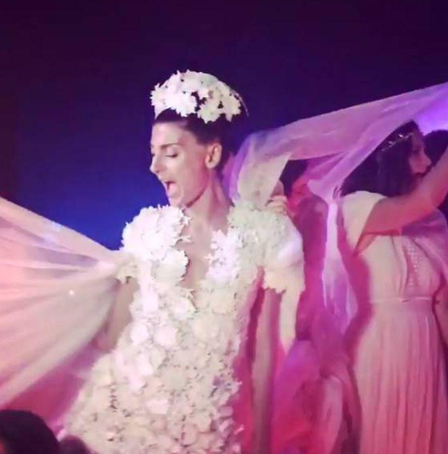 Increíble Vestido De Novia De La Princesa Katherine Ornamento ...