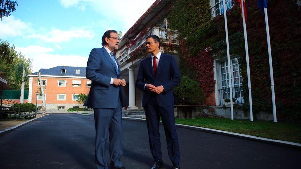 Foto: Pedro Sánchez y Mariano Rajoy, este 28 de octubre en el palacio de la Moncloa. (PSOE)