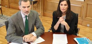 Post de Felipe y Letizia, unidos frente al Covid-19: así continúan con su trabajo de despacho