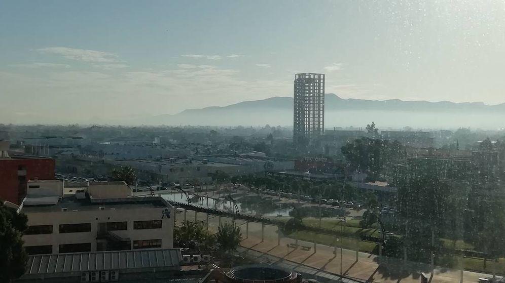 Foto: El esqueleto de la torre Koplowitz sobrevuela la trama urbana de Murcia. (V.R.)