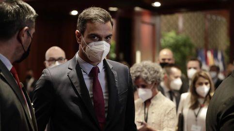 Biden le desprecia, Mohamed le chulea y Mitsotakis le excluye