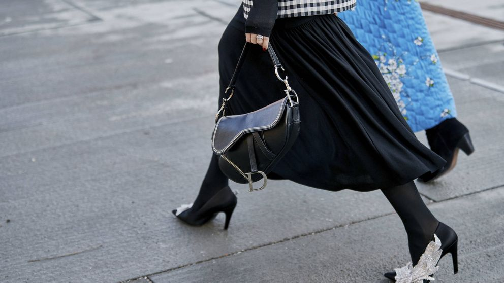 Con esta falda de Uterqüe serás la invitada perfecta, conquistarás oficinas, cenas ¡e Instagram!