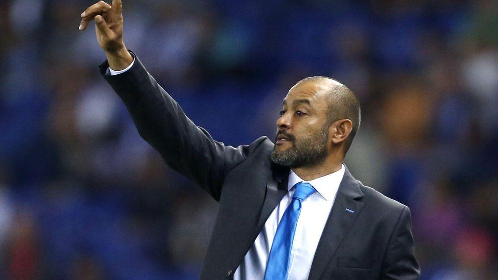 El Valencia naufraga ante el Espanyol y Nuno ya está al borde del abismo
