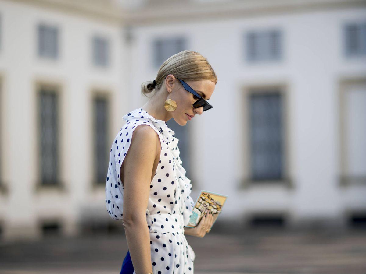 Foto: Descubre cinco vestidos estampados con topos para estrenar ya. (Imaxtree)