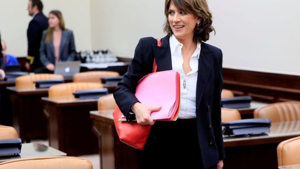 Foto: La fiscal general del Estado, Dolores Delgado, en una comparecencia en el Congreso. (EFE)