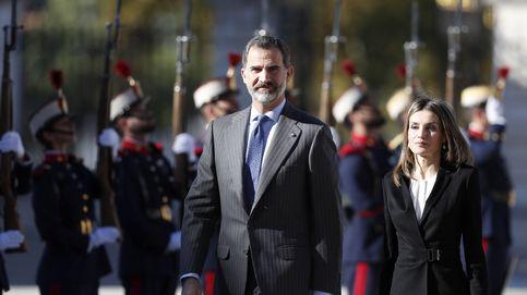 La Reina Letizia homenajea a Carlos III con uno de sus modelitos preferidos