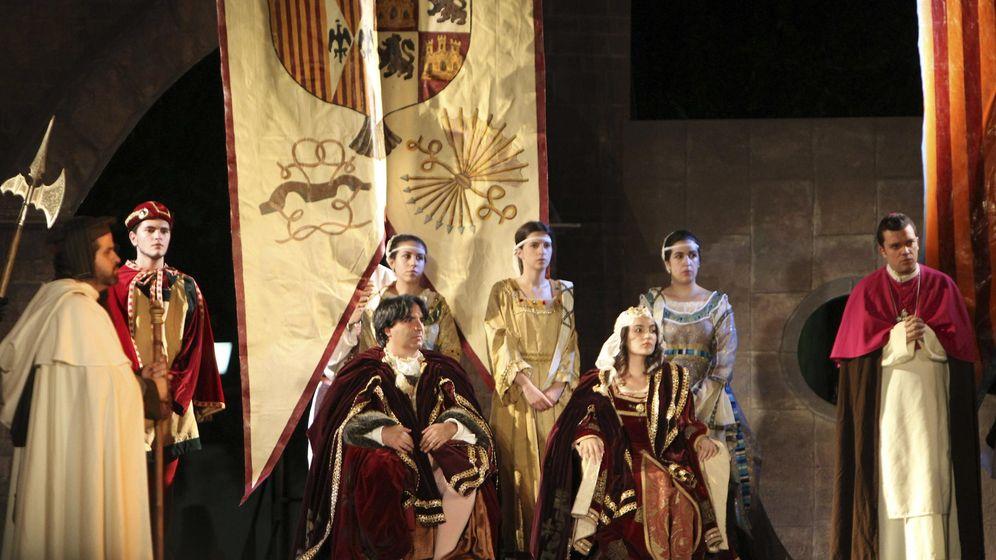 Foto: Momento de la representación de Fuenteovejuna de Lope de Vega, en la plaza Mayor de Almagro