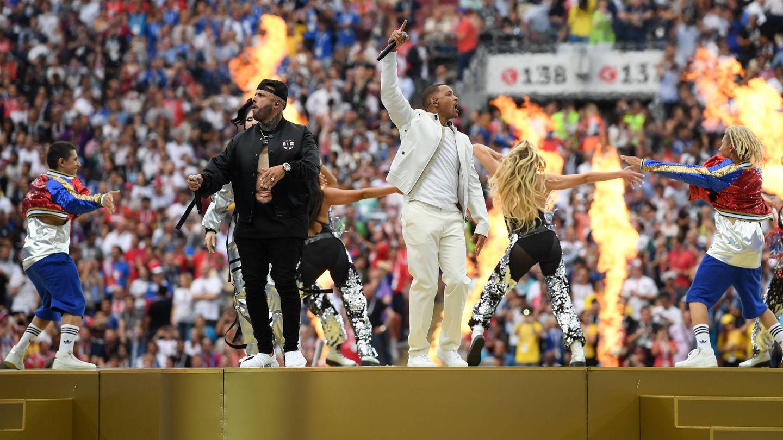 Actuación de Nicky Jam y Will Smith (Matthias Hangst/Getty Images).