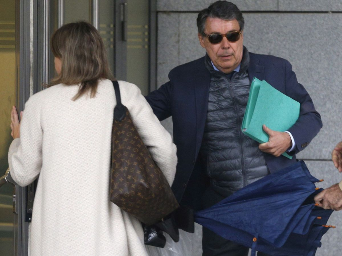 Foto: El expresidente madrileño, Ignacio González (d) a su llegada a la Audiencia Nacional en una fotografía de archivo. (EFE)