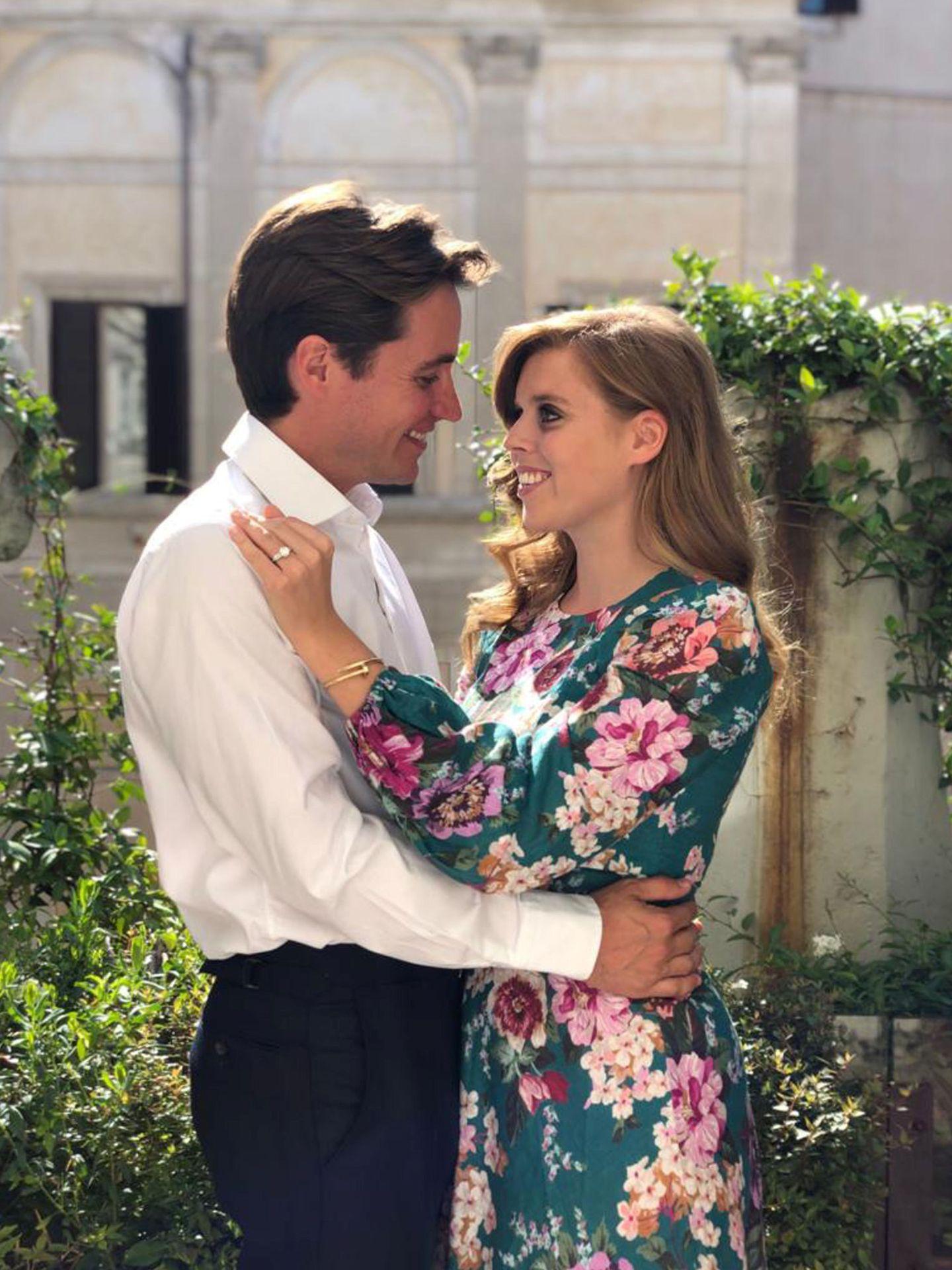 Una de las fotografías con las que Beatriz y Edo anunciaron su compromiso. (Reuters)