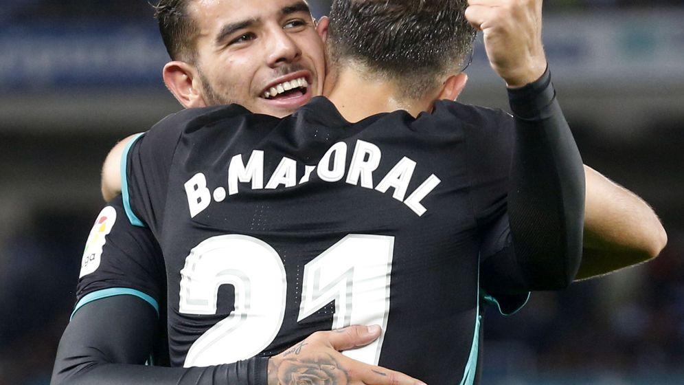 Foto: Mayoral y Theo celebran un gol. (EFE)