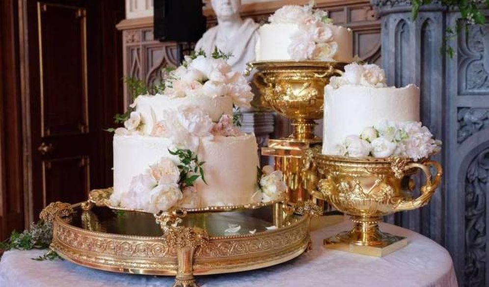 Foto: La tarta de limón y flor de saúco servida en el banquete nupcial.