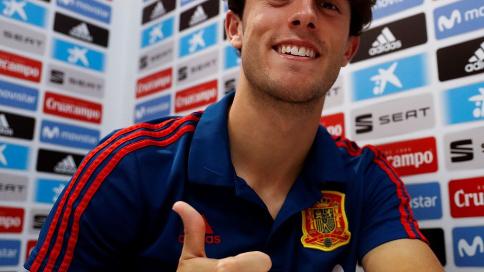 Foto: Álvaro Odriozola durante la concentración de la selección española en el Mundial. (Efe)