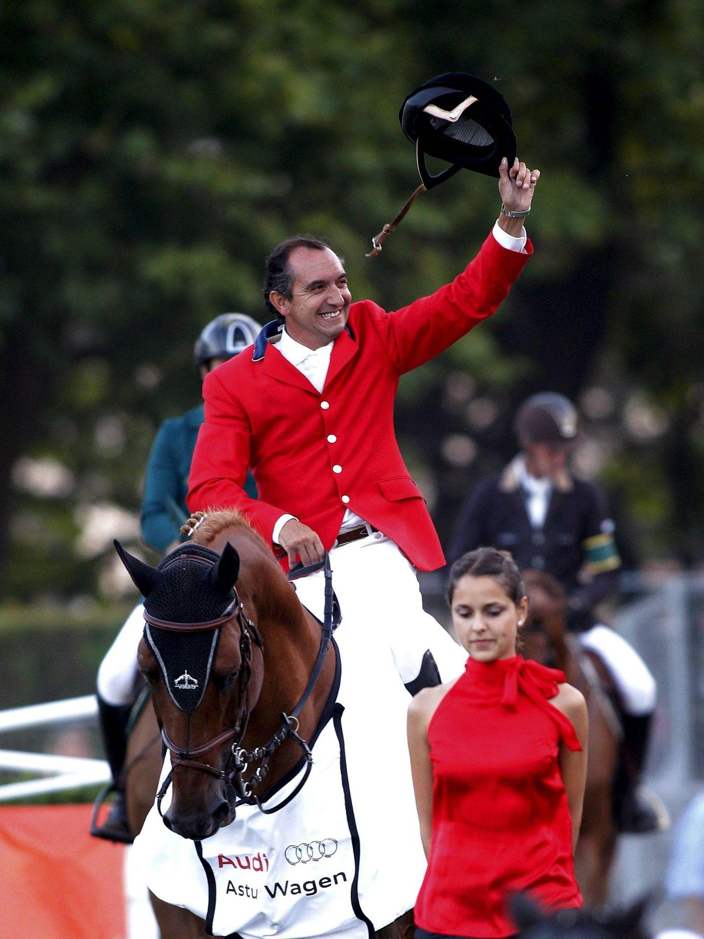 El marido de Alicia Daurella de Aguilera, Alfredo Fernández Durán, con su caballo Musicam Gold. (EFE)