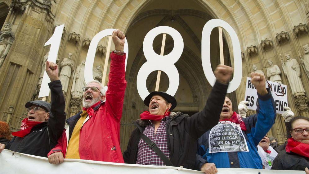 Foto: Manifestación de jubilados por una pensión mínima de 1.080 euros. (EFE)