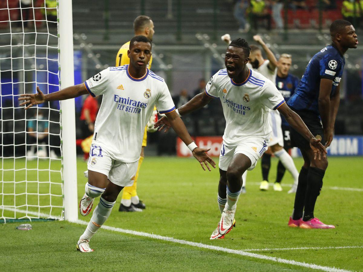 Foto: Rodrygo y Camavinga celebran el gol al Inter de Milán. (EFE)