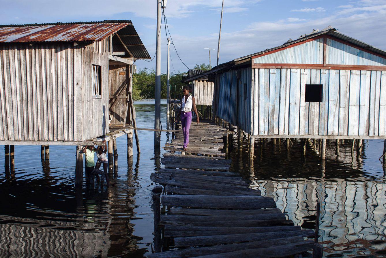 Foto: Barrio de Nuevo Milenio, donde viven unas 8.000 personas entre el fango y los desperdicios, en Tumaco (Foto: Ethel Bonet).