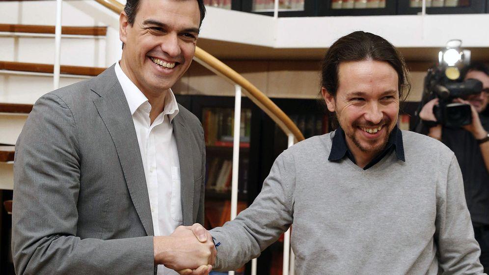 Foto: Pedro Sánchez y Pablo Iglesias, en su reunión de este viernes en el Congreso de los Diputados. (EFE)