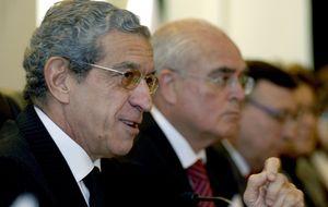 Medel arranca a Guindos garantías para seguir adelante con la fusión con Ceiss
