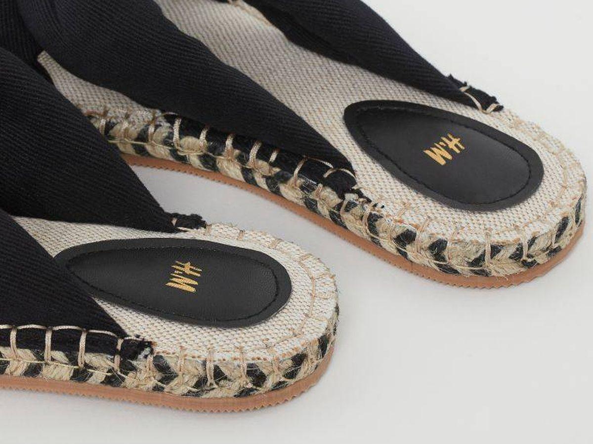 Foto: Sandalias planas de nudo de HyM. (Cortesía)