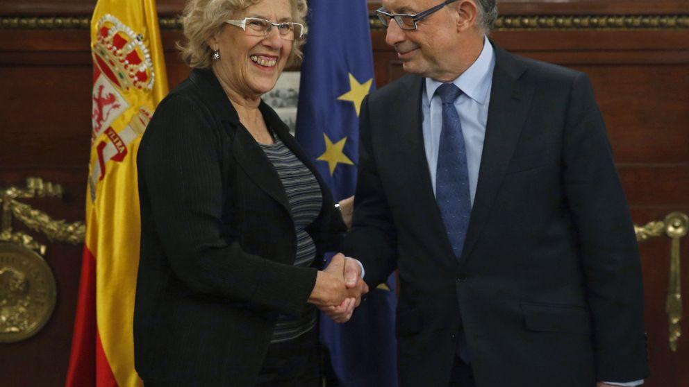 Carmena recula mientras Ahora Madrid firma su guerra política con Montoro