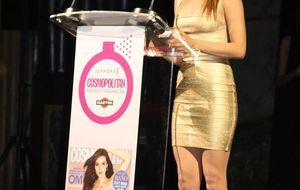 Marc Clotet y Ana de Armas 'se dejan oler' en los Premios Cosmopolitan