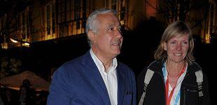 Post de El agridulce retiro de Javier Arenas y su mujer, Macarena Olivencia