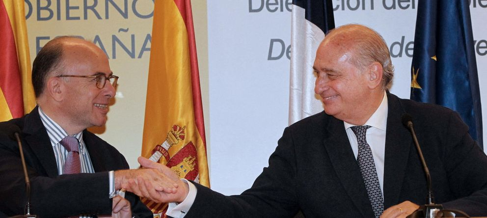 Foto: Los ministros de Interior de Francia y de España, Bernard Cazeneuve, y Jorge Fernández Díaz. (Efe)