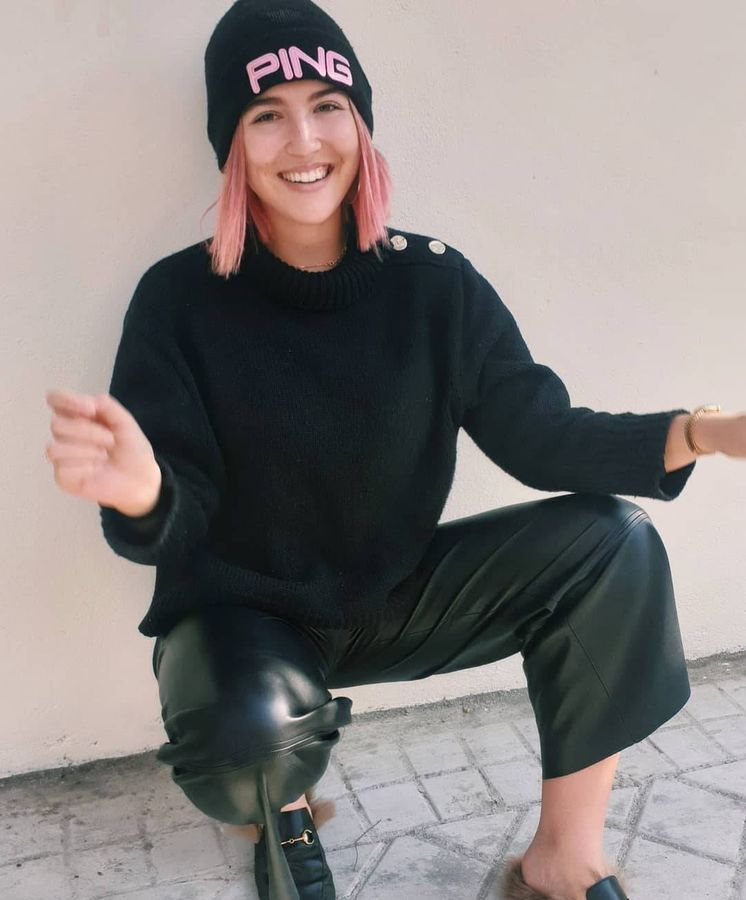 Foto: Además de tener el pelo rosa, Alba ha confesado que su melena está débil. (Instagram)