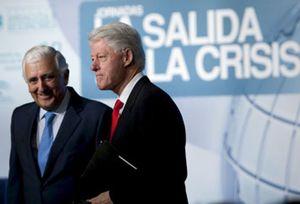 Bill Clinton decepciona en Sevilla