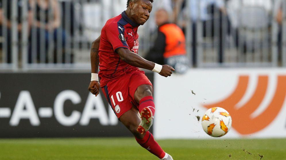 Foto: Samuel Kalu, en un partido con el Girondins de la Liga Europa. (Reuters)