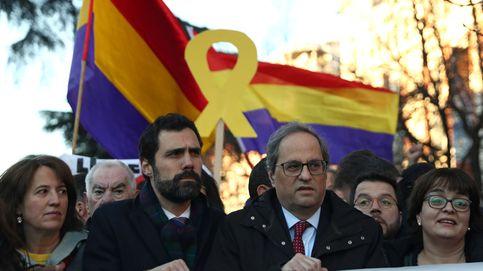 Torra llega al TS entre banderas republicanas y promesas de internacionalizar el juicio