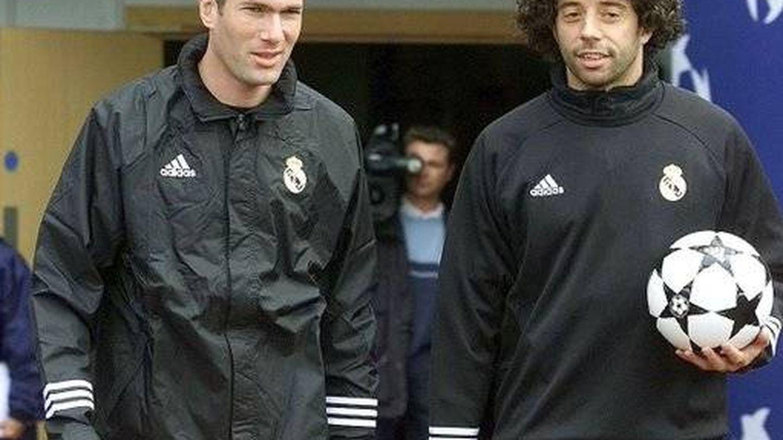 Zidane e Iván Campo, juntos en su etapa como jugadores del Real Madrid