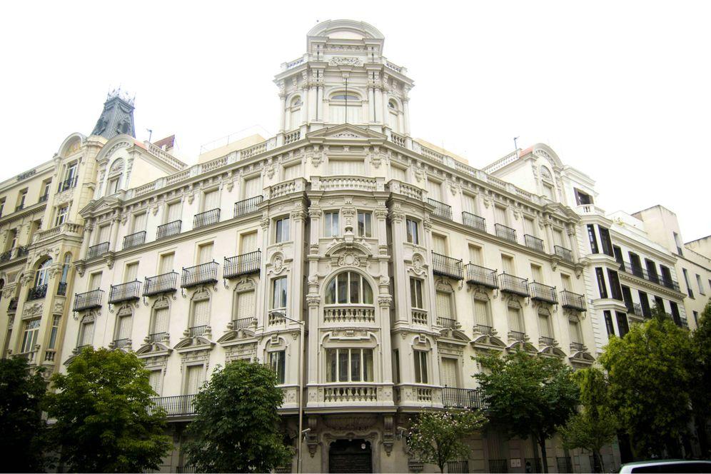 Foto: La antigua sede de los grupos parlamentarios, situada en la plaza de las Cortes 9. (Carmen Castellón)
