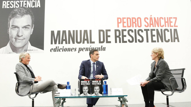Sánchez confiesa a una entregada Milá que donará los ingresos de su libro a los sin hogar