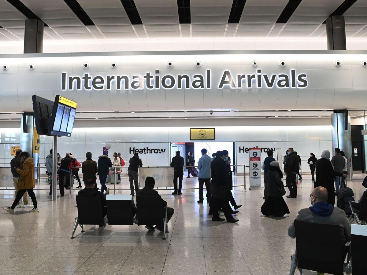 Foto: Interior del aeropuerto internacional de Heathrow en Londres (Reino Unido). (EFE)