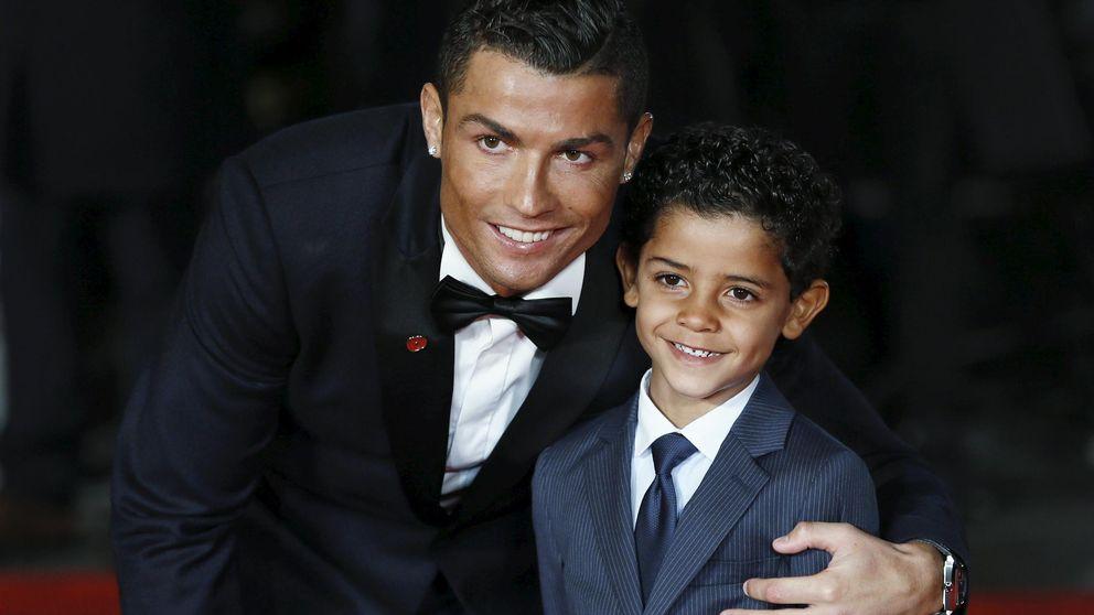 El hijo de Cristiano ya mete goles de chilena