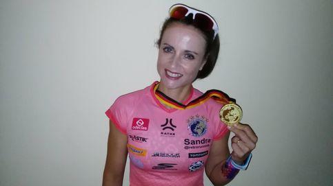La dulce soledad de Sandra tras ganar su título mundial de 'retrorunning'