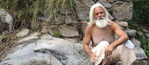 Foto: El gurú de barba plateada que come crudo
