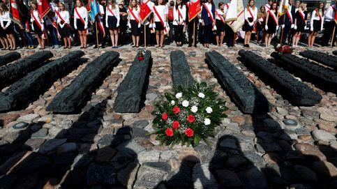 El plan para crear nuevos polacos: más educación militar y menos escuelas