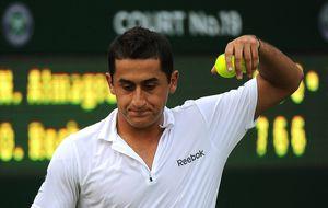 El pie de Almagro le impedirá jugar sobre la hierba de Wimbledon